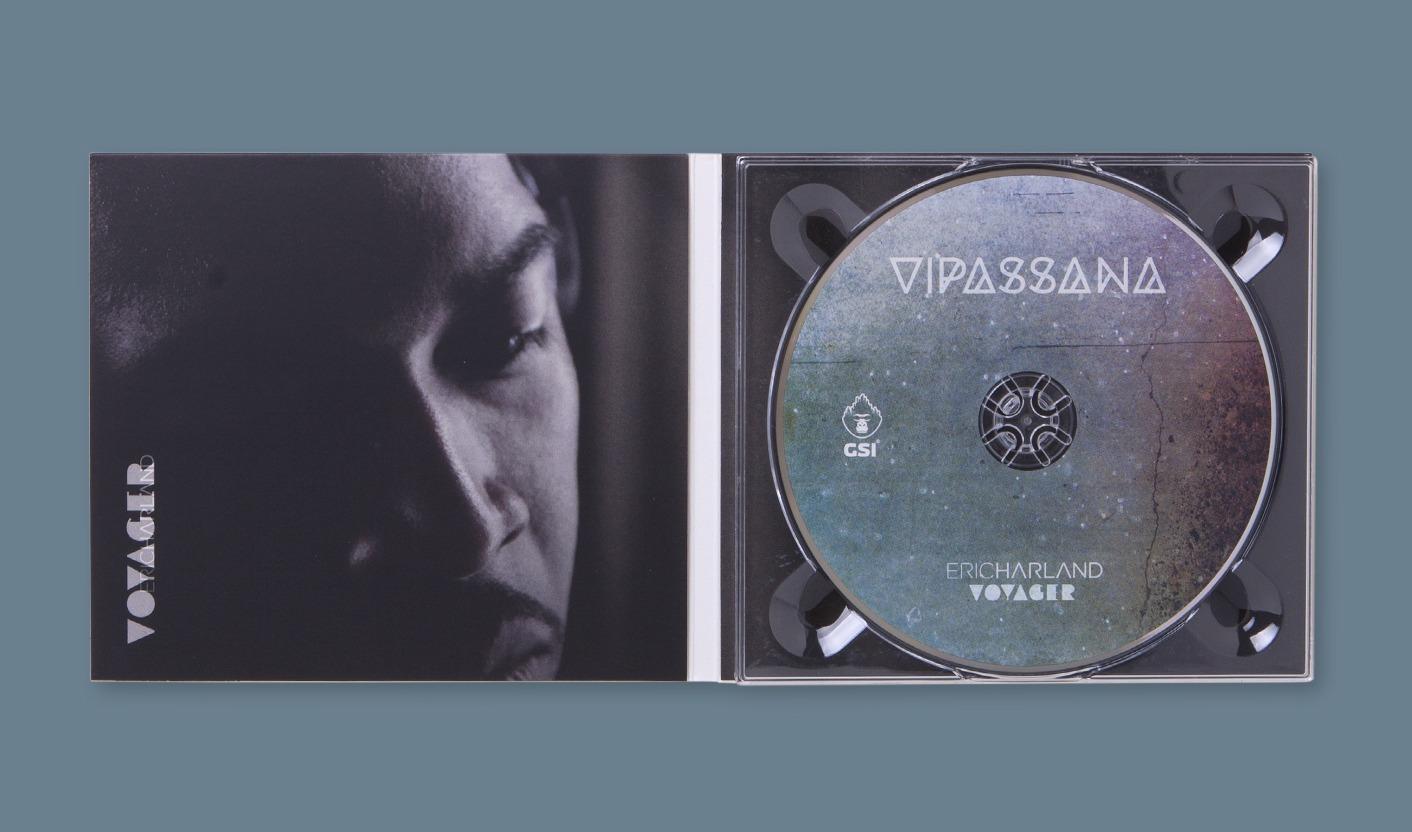 Vipassana - Cover interna con booklet e disco
