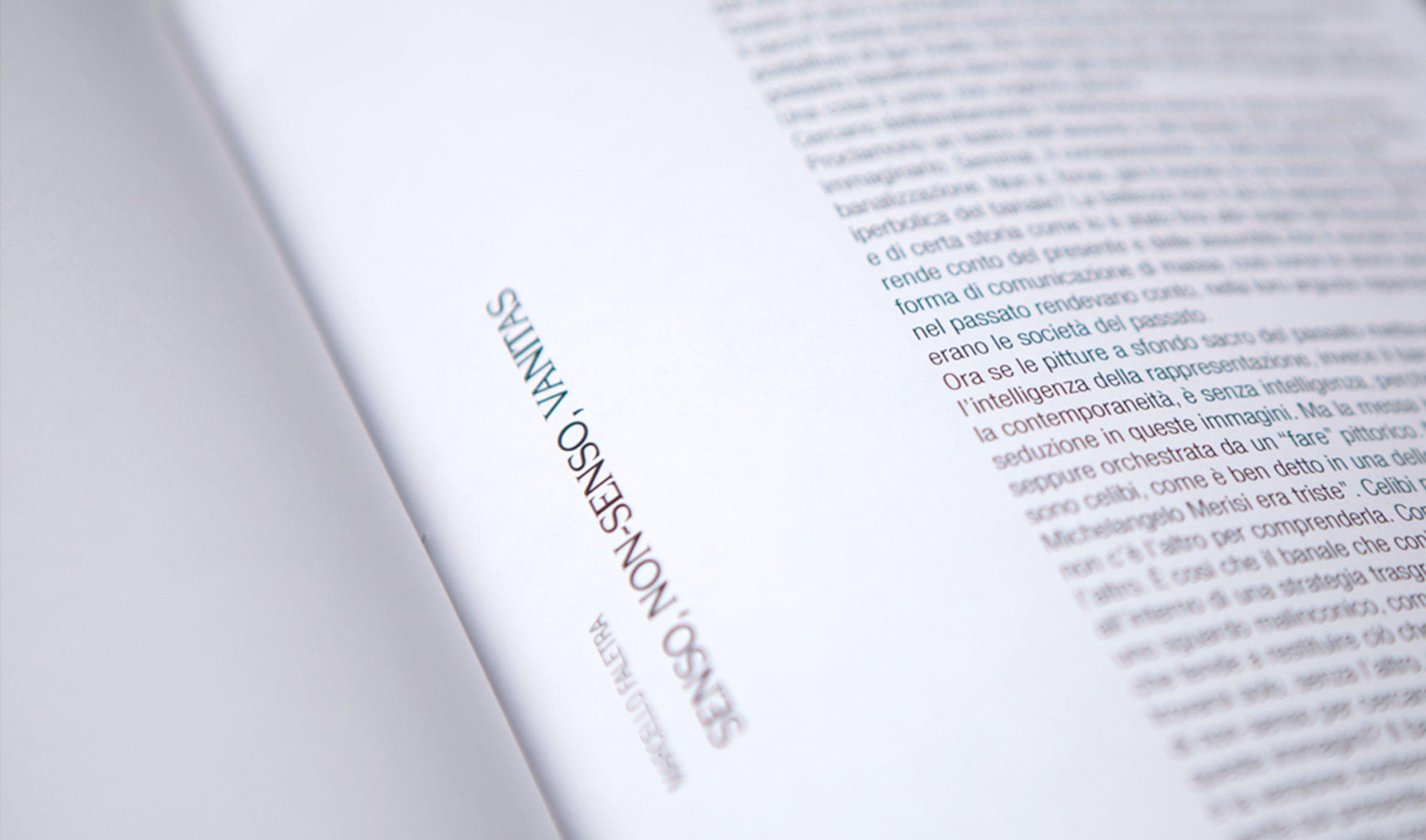 Testi di critica impaginati su catalogo